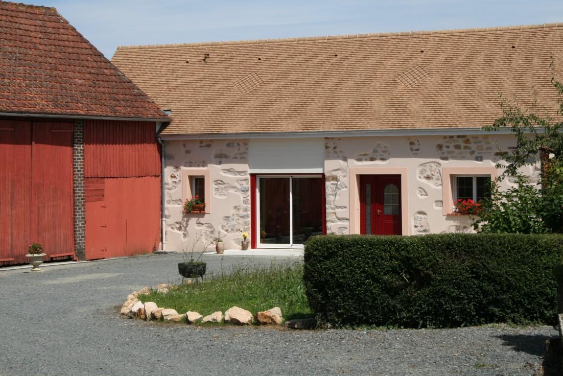Restauration de fermette vieille maison ruaudin le mans for Restaurer une maison de campagne